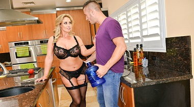 Naughtyamerica Dirty Wives Club Eva Notty & Danny Mountain 380x210