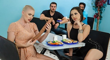 Brazzers porn video - A Lunchtime Licking with Jenna Sativa & Riley Nixon - Hot And Mean 380x210