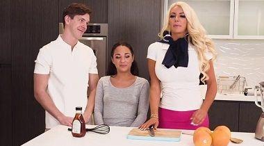 RealityKings - Amara Romani & Nicolette Shea in Got Juice 380x210