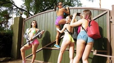 Realitykings - RK Prime - Bad Bitches Break In by Abella Danger, Blair Williams, Charles Dera, Isabella Nice & Jillian Janson 380x210