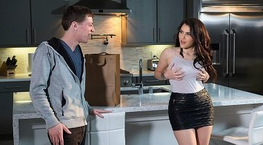 Naughtyamerica 1080p - Neighbor Affair Valentina Nappi & Rion King 380x210